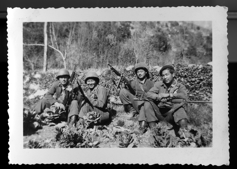 Arthur Sakamoto, Sr. (far right) with fellow 442nd soldiers.