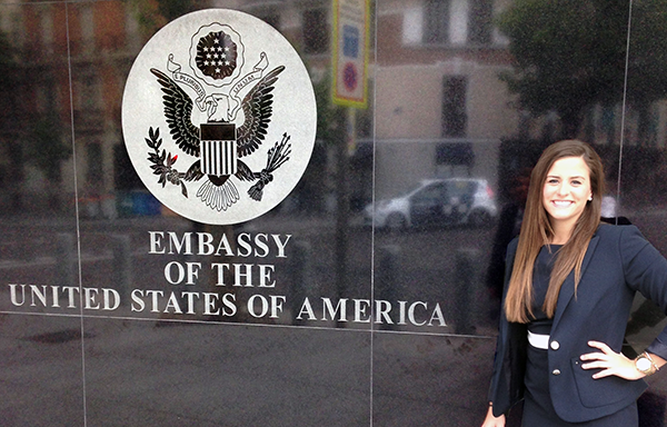 What can Americans do at the U.S. Embassy in Spain?