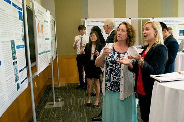 Undergraduate Research Week 2015: Liberal Arts Students Present the Evidence