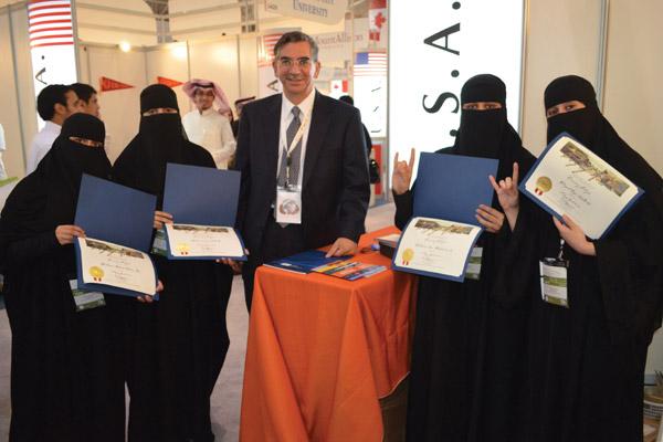 Flores with Saudi Arabian teachers