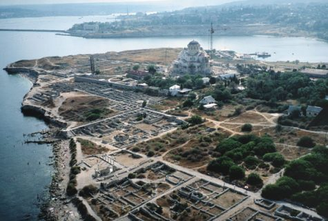 Ariel view of Chersonesos with the newly renovated St. Volodymyr's Church in 2001. Photo by Christopher Williams.