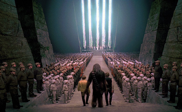 A scene from star wars that shows similarity to the Nazi scene from Triumph of the Will